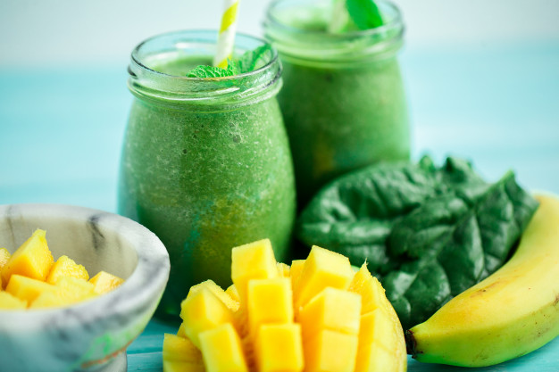 Banana Mango Spinach Weight Loss Smoothie